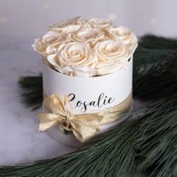 Белые стабилизированные розы в шляпной коробке, 7 роз